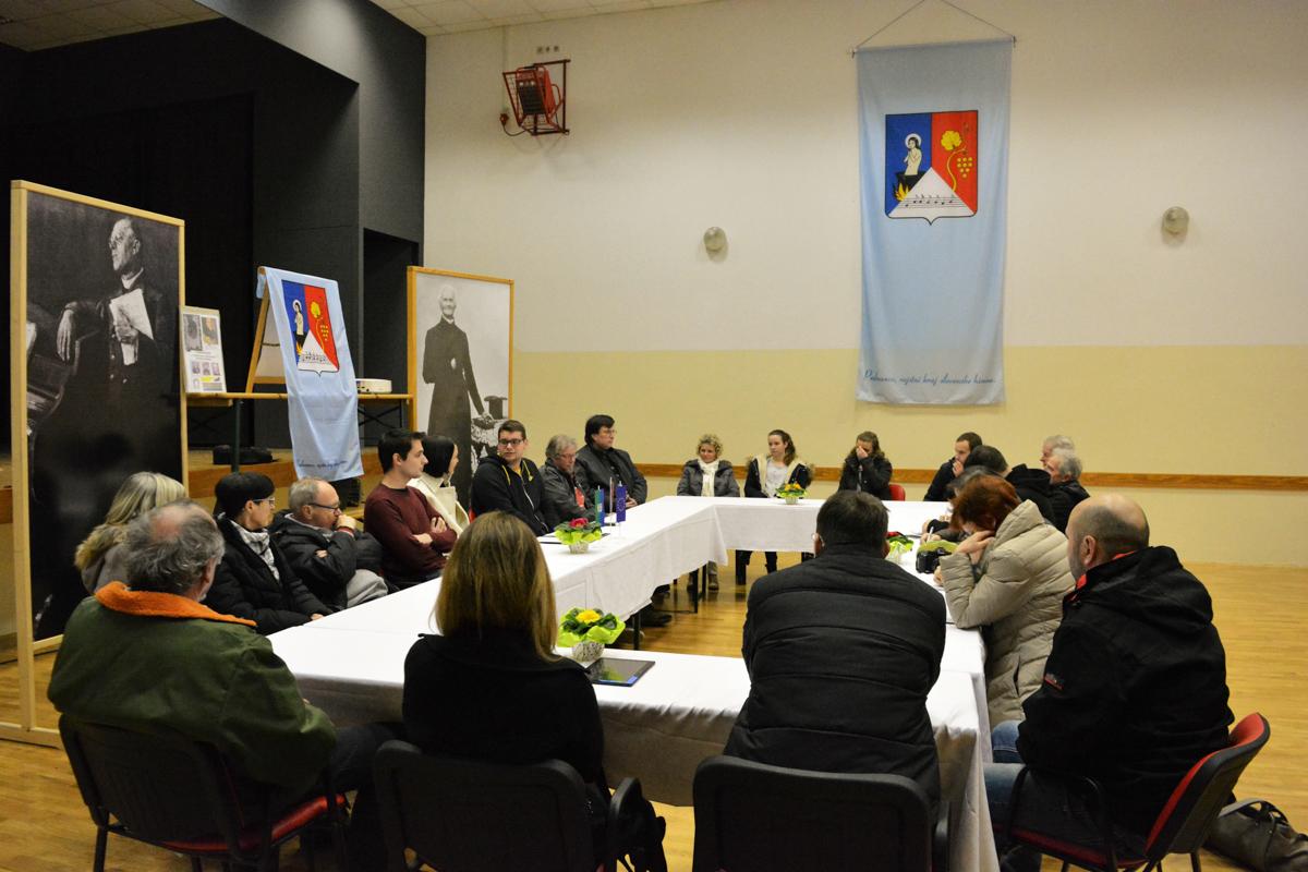 tiskovna konferenca_viteznik (1)